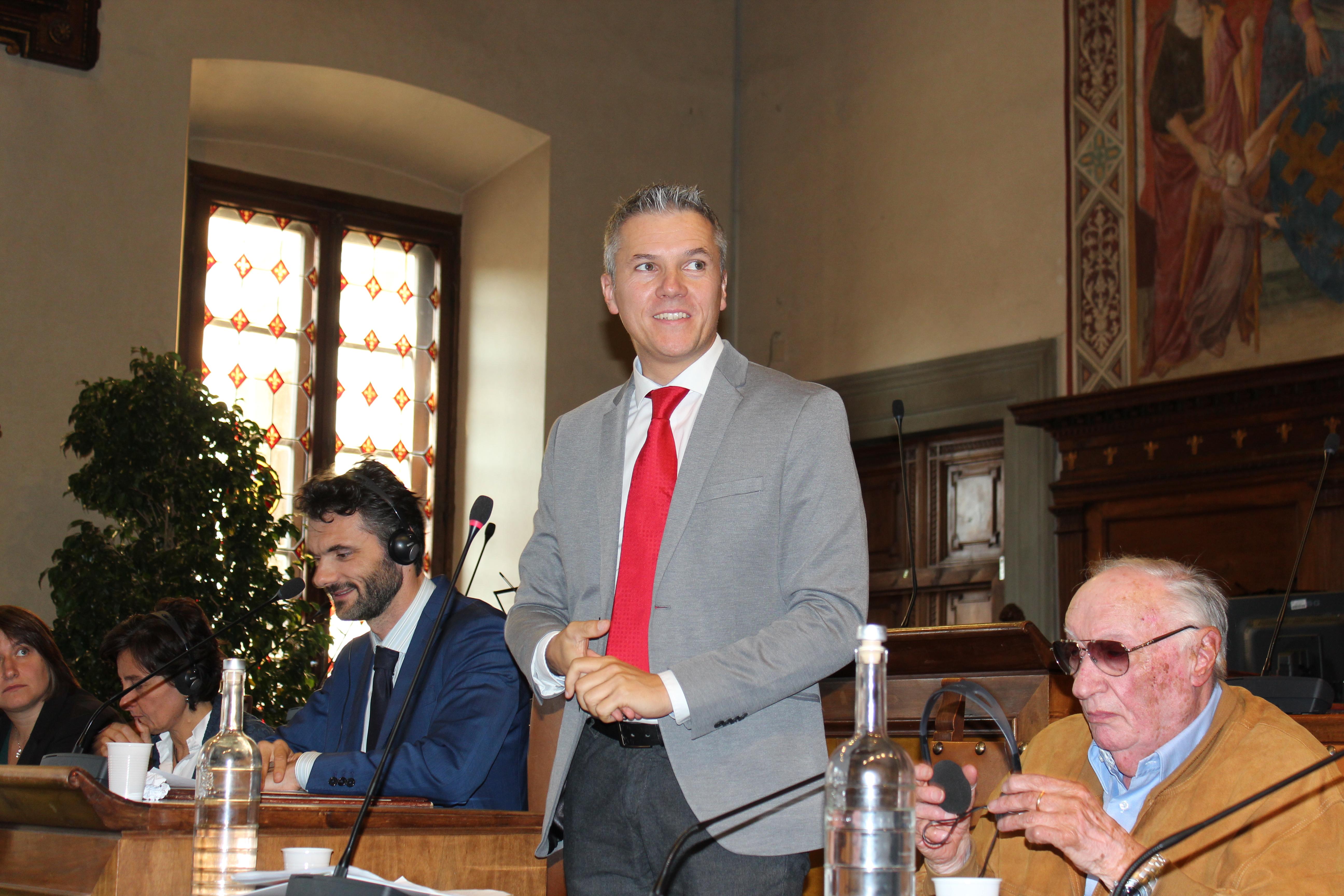 <p>L'intervento del sindaco di Ebensee, Markus Siller, che ricorda l'importanza di questo gemellaggio.</p>