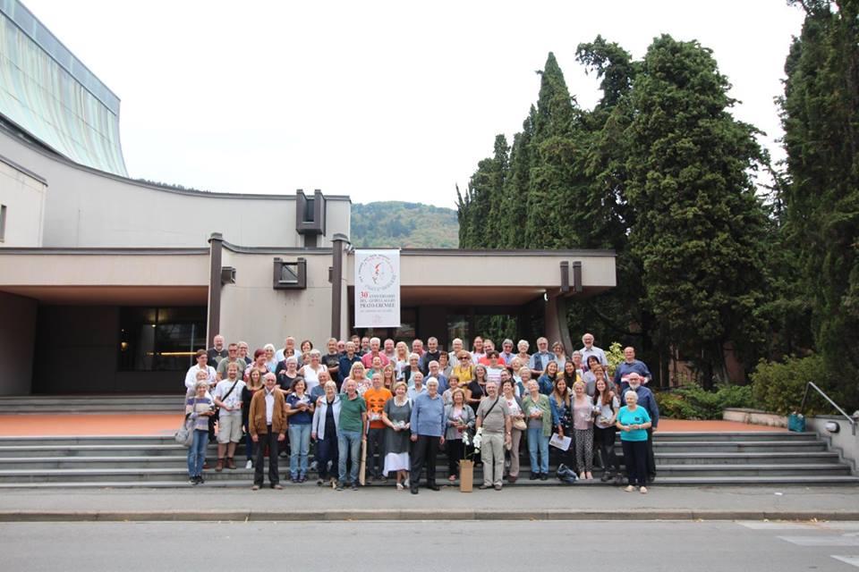 <p>La delegazione di Ebensee e Prato per i saluti finali alla chiesa di Santa Lucia</p>